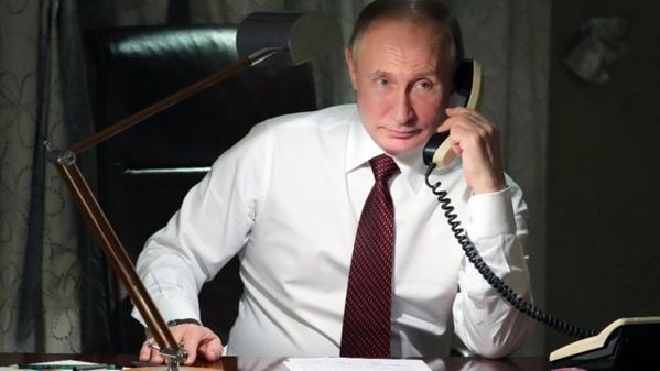 """Le Kremlin dénonce des accusations américaines """"infondées"""" contre Maria Butina"""