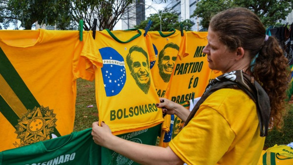 Bolsonaro devient président, le Brésil bascule dans l'inconnu