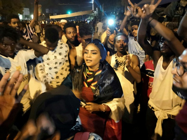 Pression accrue sur le président soudanais pour une transition politique