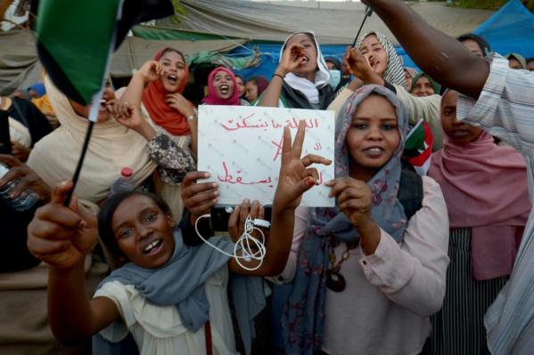 """Soudan: le pouvoir militaire suggère une figure """"indépendante"""" comme Premier ministre"""