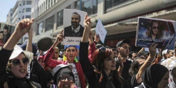 Maroc : des centaines de manifestants réclament la libération des détenus du Hirak
