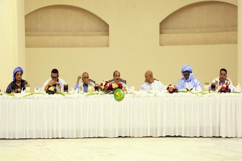 La Présidence de la République offre un Iftar en l'honneur des députés de la majorité et des présidents des conseils régionaux