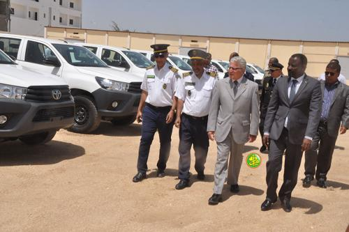 L'Espagne fait don de 12 véhicules aux organes de la police mauritanienne chargés de la surveillance territoriale