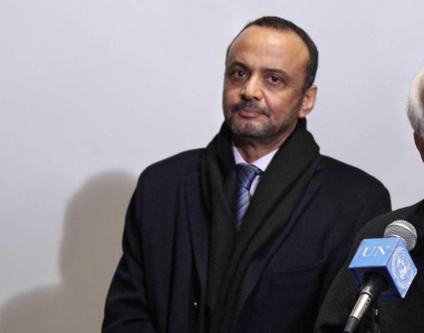 Un candidat à la présidentielle rend visite à Boubacar Messaoud dans un hôpital à Paris