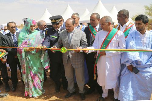 """Le Président de la République inaugure le projet de renforcement du réseau d'eau potable à Kiffa à partir du champ """"Negat"""""""