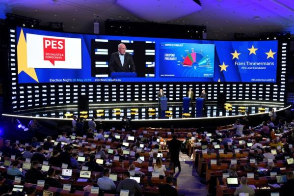 Les équilibres politiques chamboulés au Parlement européen