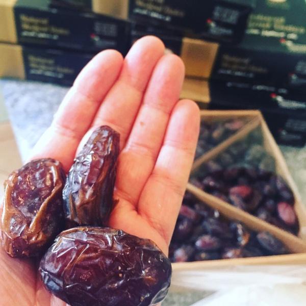 Cérémonie de réception d'un don de 100 tonnes de dattes du Royaume d'Arabie Saoudite