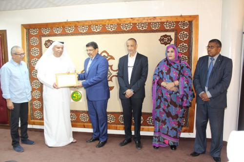 Le ministre de la culture reçoit une mission de l'Organisme arabe pour le théâtre