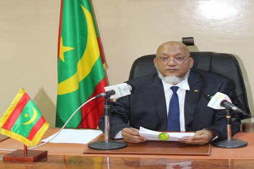 Décret présidentiel chargeant le ministre de la fonction publique des missions du ministre de la culture