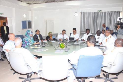 La commission des affaires économiques à l'Assemblée nationale discute le programme-contrat signé entre l'Etat mauritanien et la Société Nationale de forage et de puits