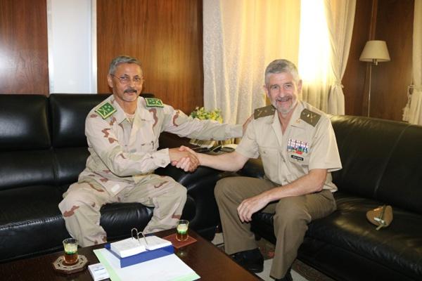 Un Général espagnol effectue une visite à la Mauritanie