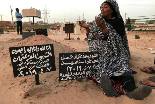 Au Soudan, le lourd prix de la révolution pour les familles en deuil
