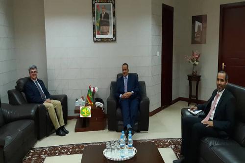 Le ministre des Affaires étrangères reçoit le Chef de la délégation de l'Union Européenne