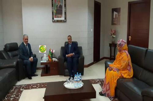 Le ministre des Affaires étrangères s'entretient avec le chargé d'affaires de l'ambassade de Libye à Nouakchott