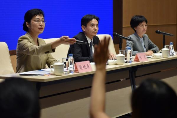 """Hong Kong: Pékin promet la mort """"par le feu"""" aux """"criminels"""""""
