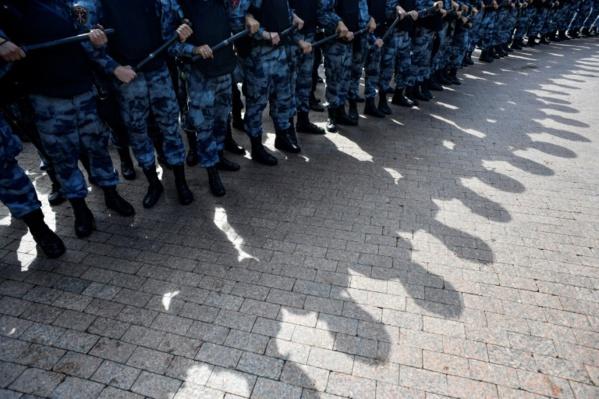 """Plusieurs milliers de manifestants à Moscou pour des """"élections libres"""""""