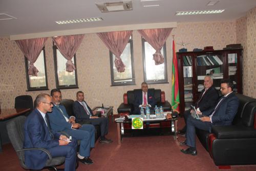 Le ministre de l'économie et de l'industrie reçoit le représentant résident de la Banque Mondiale en Mauritanie