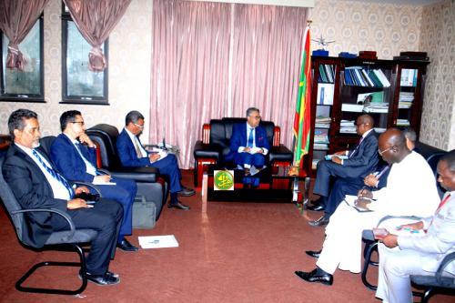 Le ministre de l'économie et de l'industrie reçoit le secrétaire permanent du G5 Sahel