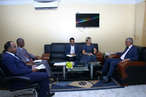 Le commissaire aux droits de l'homme s'entretient avec une mission de l'OIM