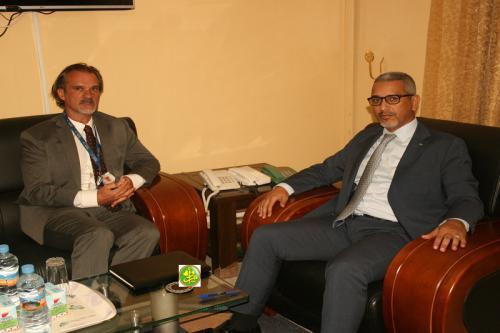 Le commissaire aux droits de l'Homme s'entretient avec le représentantrésidant du haut-commissariat aux droits de l'Homme