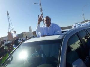 Le Président Ould Ghazwani s'entretient avec quelques-uns de ses soutiens politiques