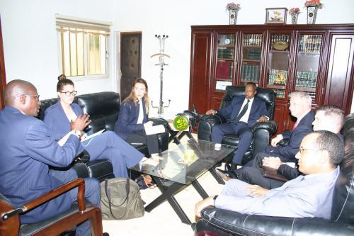 Le ministre de la Justice s'entretient avec le directeur du bureau régional de l'ONU chargé de la lutte contre la drogue et le crime en Afrique de l'ouest