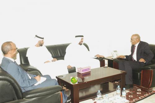 Le ministre des Pêches reçoit s'entretient avec l'ambassadeur des EAU