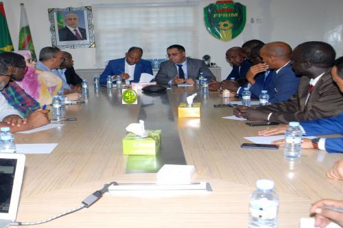Le ministre de l'emploi visite la Fédération mauritanienne de Football