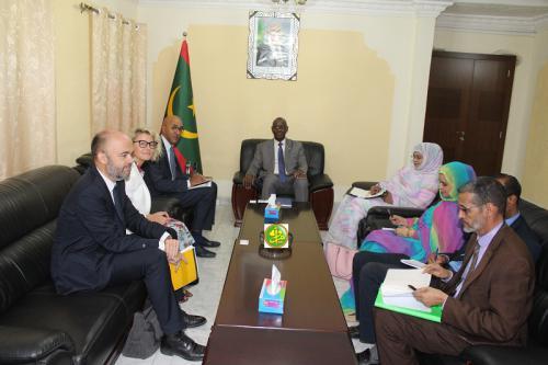 Le ministre de l'enseignement fondamental s'entretient avec une mission de l'Agence Française de Développement (AFD)