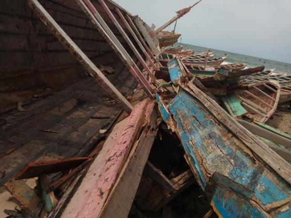 Dix embarcations endommagées