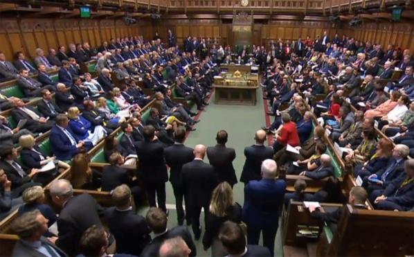 Les députés britanniques reprennent leurs travaux dans une ambiance surchauffée
