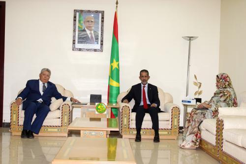 Le Premier ministre reçoit l'ambassadeur du Brésil en Mauritanie