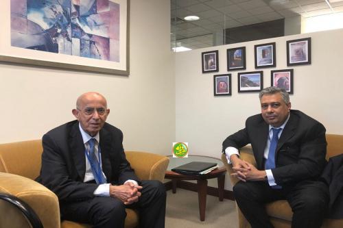 Le ministre de l'économie s'entretient avec le directeur général du FADES