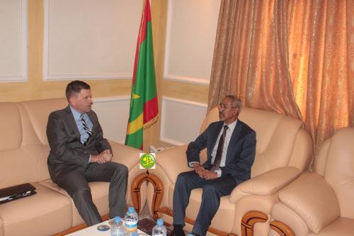 Le ministre de la Défense nationale s'entretient avec l'ambassadeur américain
