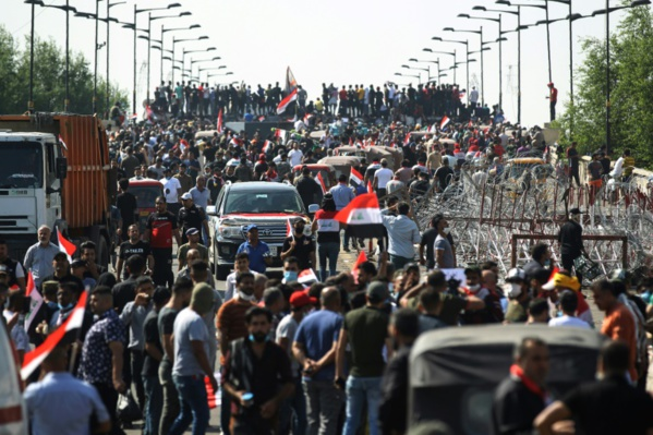 """Manifestations pour """"la chute du régime"""" en Irak après une nuit de feu et de sang"""