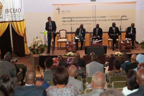 Le gouverneur de la BCM présente à Dakar la vision stratégique de son institution
