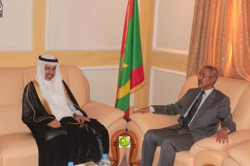 Le ministre de la Défense nationale reçoit l'Ambassadeur d'Arabie Saoudite