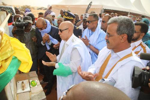 Le Président de la République pose la 1ère pierre de l'oasis phénicicole pilote de Chinguitty N° 2