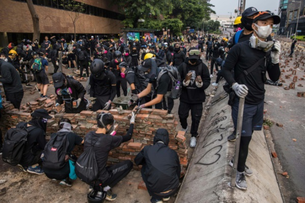 Hong Kong: les manifestations menacent le statut d'autonomie dit Xi Jinping