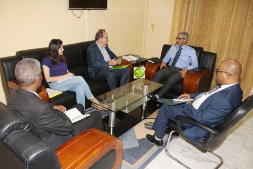 Le Commissaire aux Droits de l'Homme s'entretient avec une délégation de la coopération française