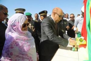 """Le Président de la République pose la première pierre pour la réalisation des différentes composantes du projet """"Extension et modernisation de la ville de Sélibabi"""