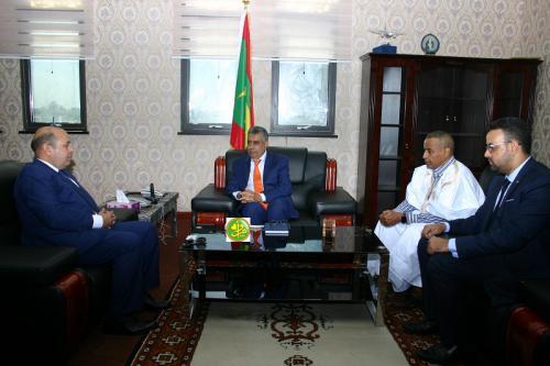 Le ministre de l'Économie s'entretient avec le directeur Exécutif de la BAD