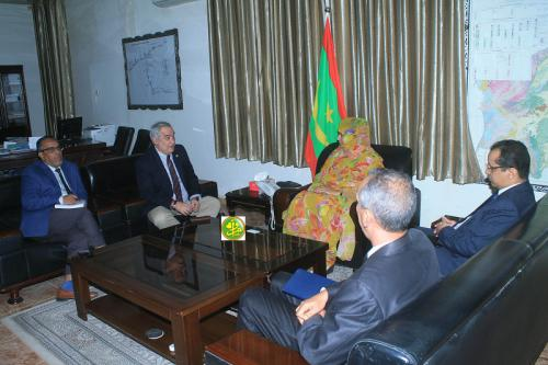 La ministre de l'hydraulique reçoit le représentant de la Banque Mondiale en Mauritanie