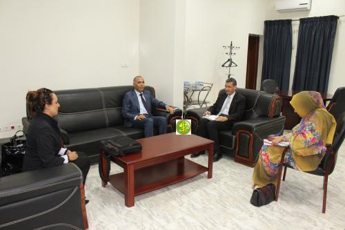 Le ministre des finances reçoit l'ambassadeur tunisien