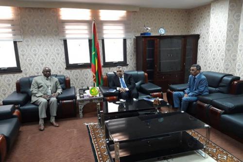 Le ministre de l'économie et de l'industrie reçoit le représentant résident du FMI en Mauritanie