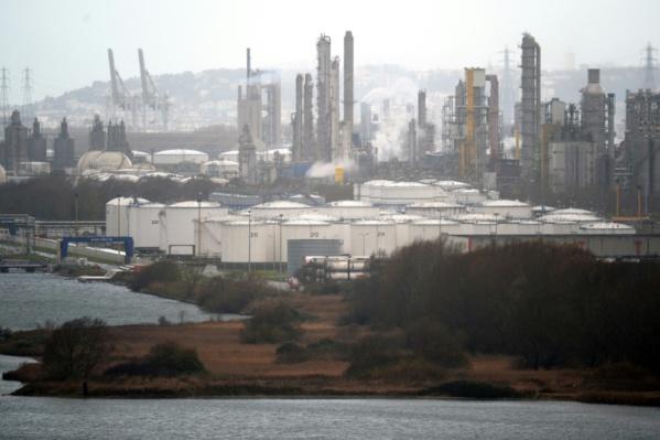 Le Havre: incendie maîtrisé dans une raffinerie de Total, la plus grande de France