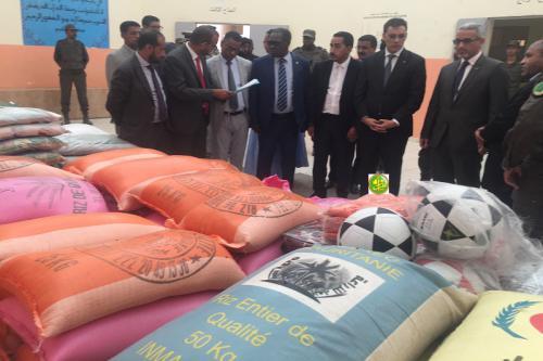 Nouadhibou: Le commissaire aux droits de l'homme remet des aides aux prisonniers
