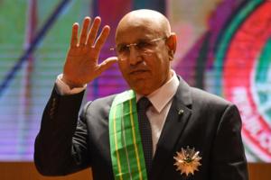Rien de neuf hier soir : Aziz toujours aussi incapable en arabe et complexé en français