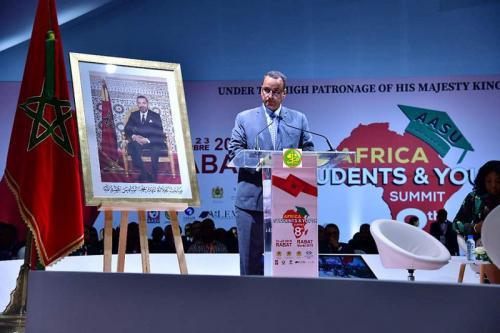 Le ministre des affaires étrangères participe à la 8ème session du Forum d'étudiants et de jeunes africaines à Rabat.