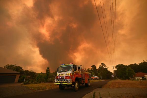 Australie en feu: Sydney étouffe, l'équivalent de la Belgique parti en fumée